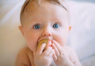 Baby Nuckeln Lutschen Zahnen Kinder Zahnarzt Milchzahn Öhringen